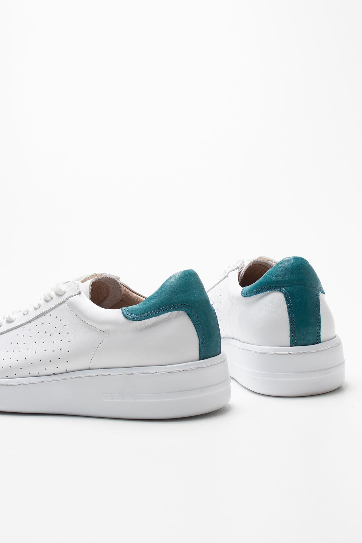 Grawp White Blue Genuine Leather Women Sneakers